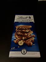 Швейцарский молочный шоколад 34% фундук Lindt Les Grandes