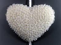 """Украшение для свадебного зала """"Сердце из роз"""""""