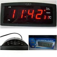 Часы Led Digital Clock CX-818 с питанием от розетки 220 вольт
