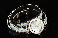 Браслет - часы женский на руку Bromelia с тройным ремешком украшенный бусинами и металлическими элементами