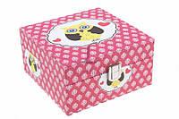 """Шкатулка для украшений """"Сова"""" с замком, материал: ПВХ и велюр, цвет: розовый, форма: квадратная, 3 отделения, длина: 15 см, ширина: 15 см, высота: 8"""