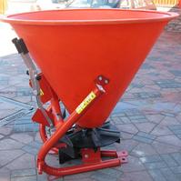 Разбрасыватель минеральных удобрений (РУМ) на 500 кг (железо) Лейка 500кг
