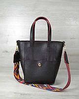 Женская сумка черная с красными торцами