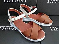 Женские кожаные босоножки  сандалии TIFFANY на танкетке платформе
