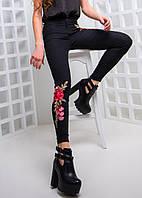 Женские трендовые джинсы с вышивкой, в расцветках