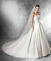 Свадебное платье вышитое жемчугом с фатой