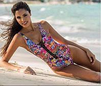 Модный, женский, раздельный купальник с ярким принтом и шнуровкой.