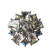 Брошь (брошка) Серебряная с белыми стеклянными стразами 3.5 см 1 шт