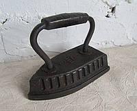 Старинный утюг с  клеймом, фото 1