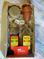 Подарок - большой национальный комплимент Медовый от UkrainianBox
