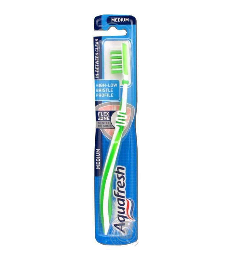 Зубная щетка Aquafresh Intense Clean Medium