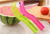 Нож для чистки и резки арбуза пластиковый
