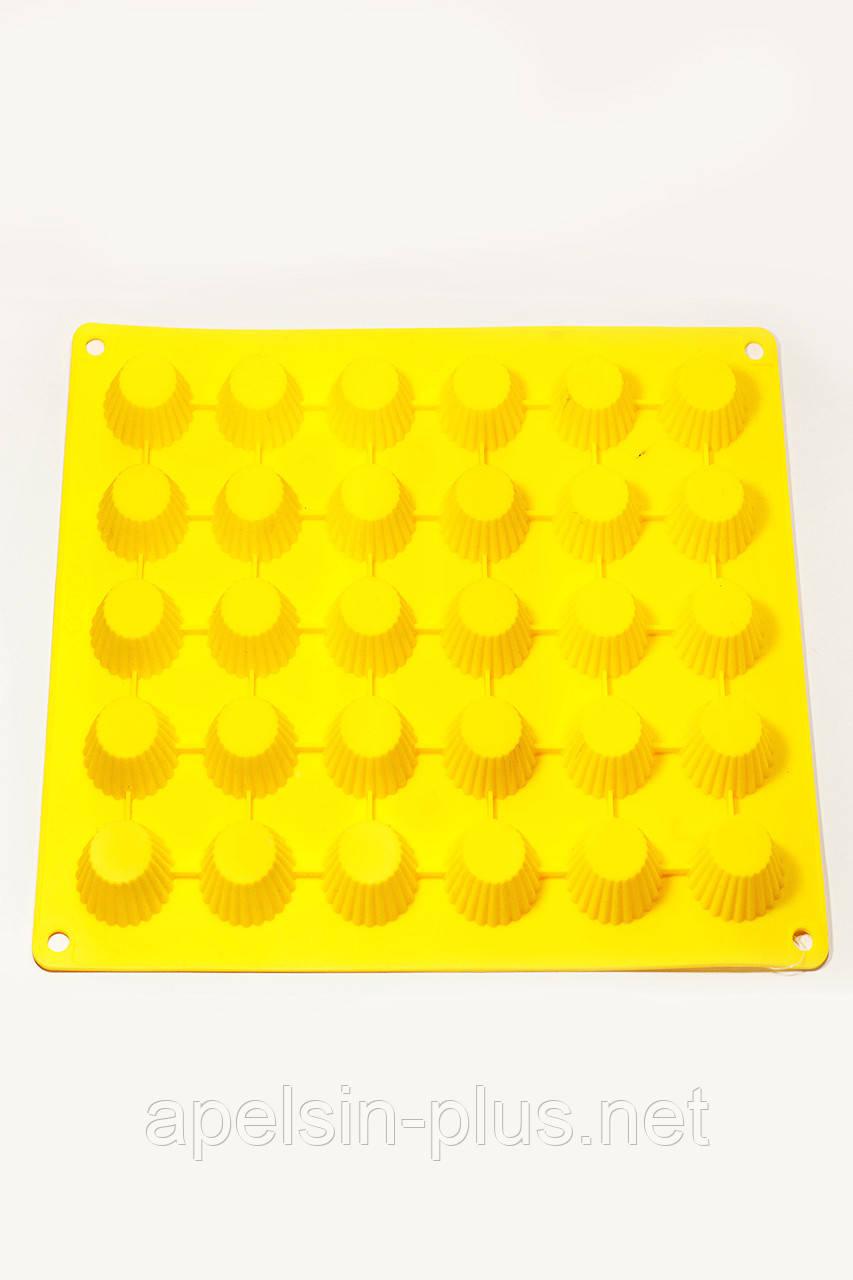"""Силиконовая форма для капкейков """"Крошка"""" на 30 штук"""
