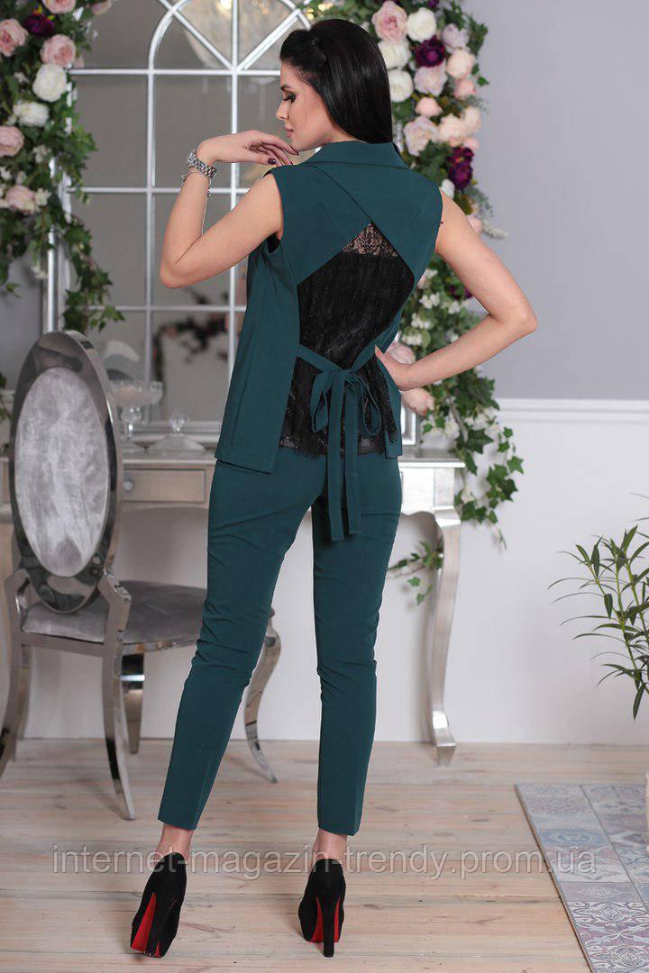 Стильный костюм с жилеткой и брюками,декорирован кружевом .ИБР50363008