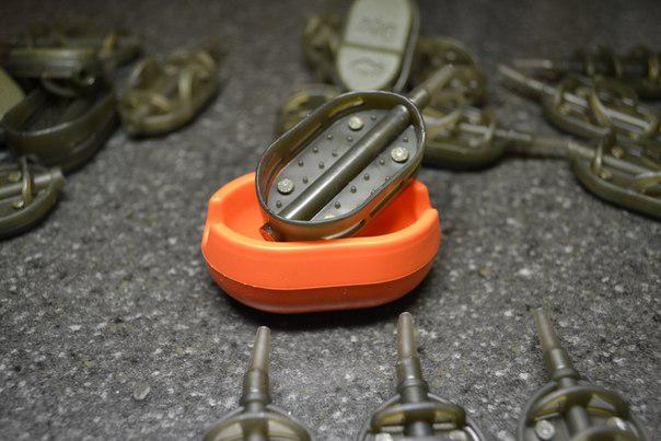 Фідерна годівниця Метод Boat 40 грам