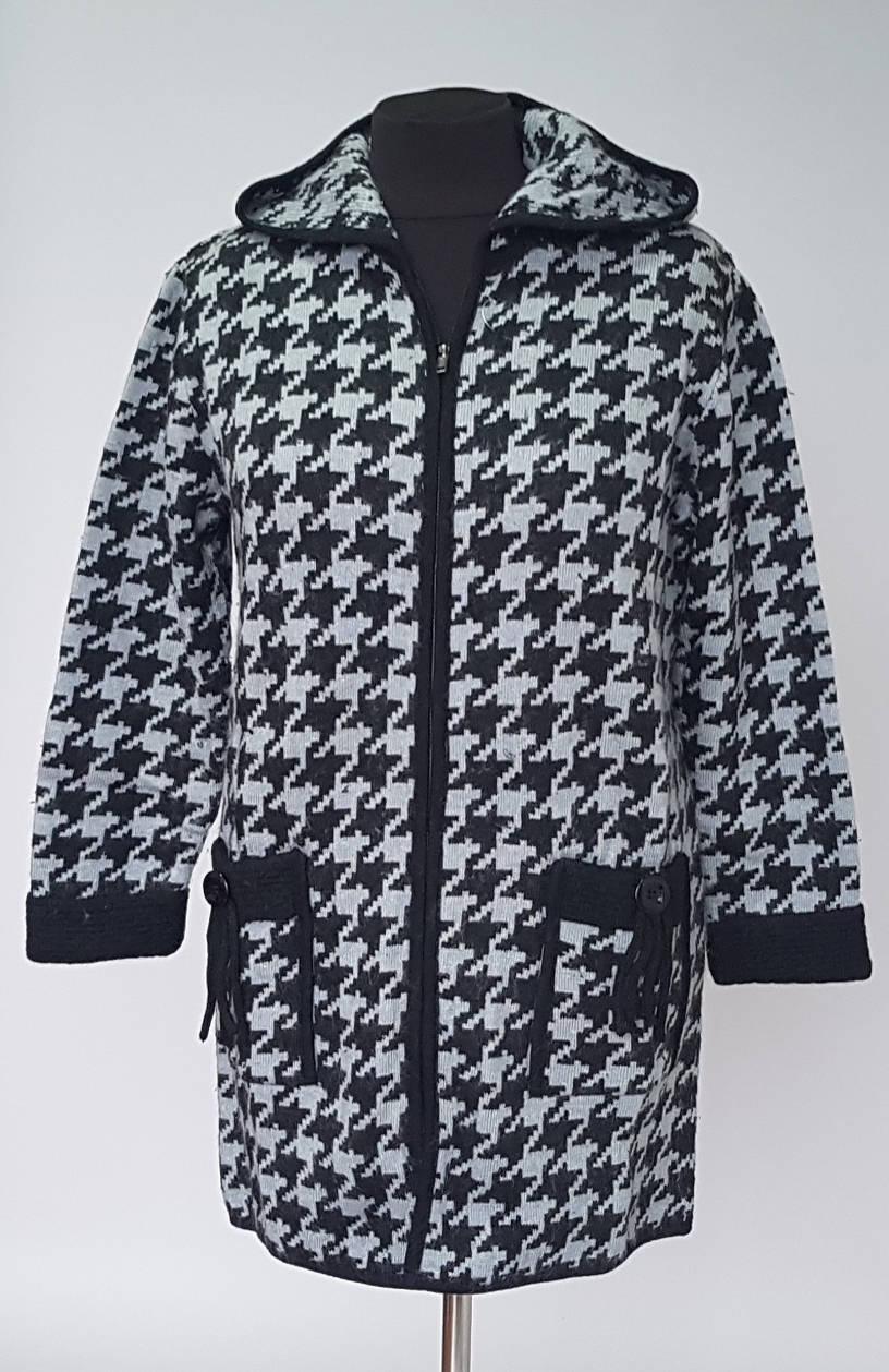Теплая женская вязаная куртка на замке