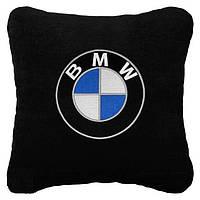 Подушка автомобильная BMW. Вышивка эмблемы Вашего автомобиля. Подарок для автомобилиста.