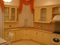 Мебель в кухню из натурального дерева