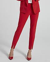 Женские брюки красного цвета. Модель 250086