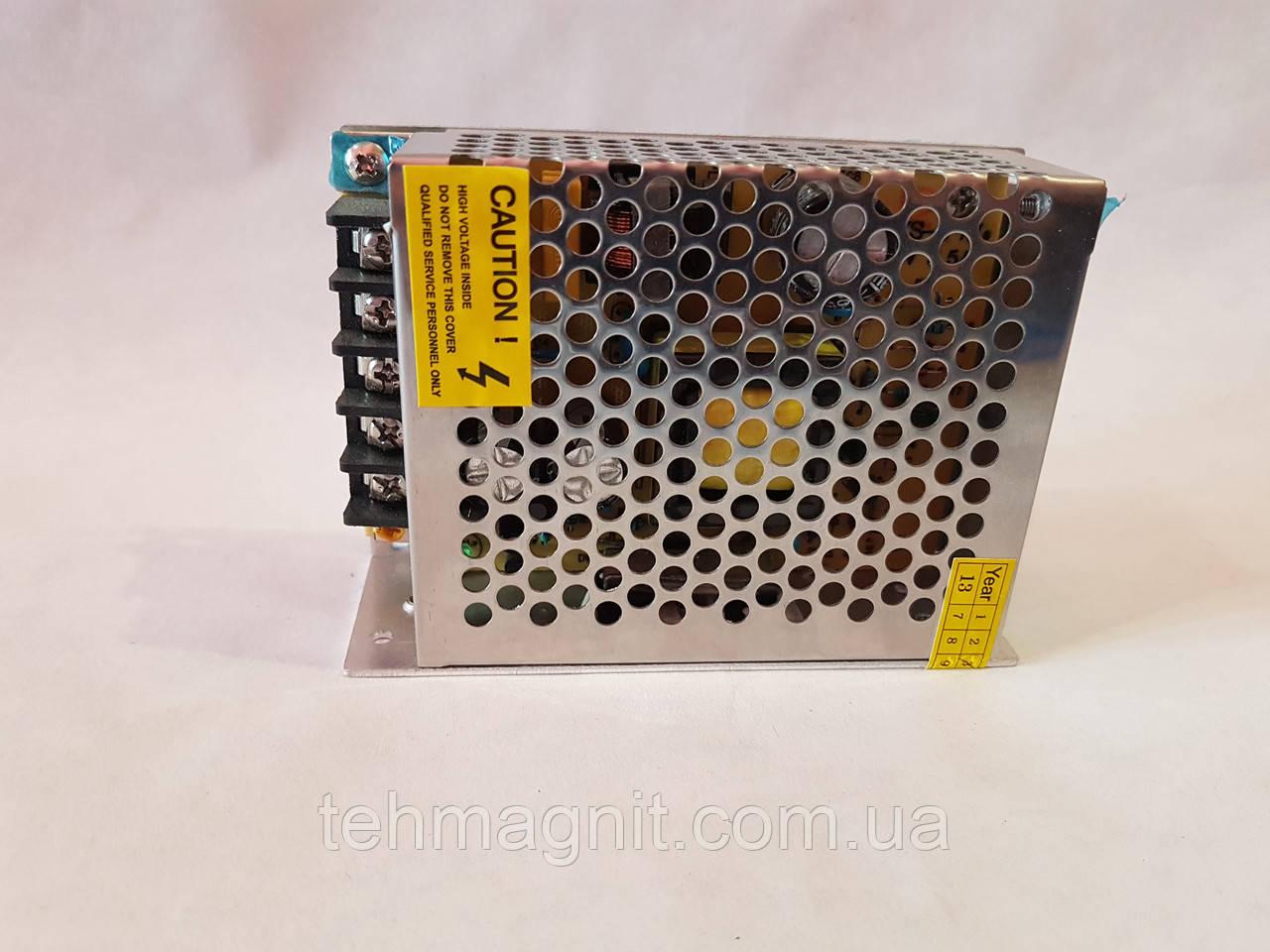 Сетевой адаптер, зарядное устройство,преобразователь напряжения, блок питания 12V 3,5A 40Вт