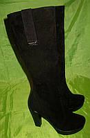 Зимние замшевые сапоги на высоком каблуке