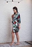Велюровый женский халат с розами
