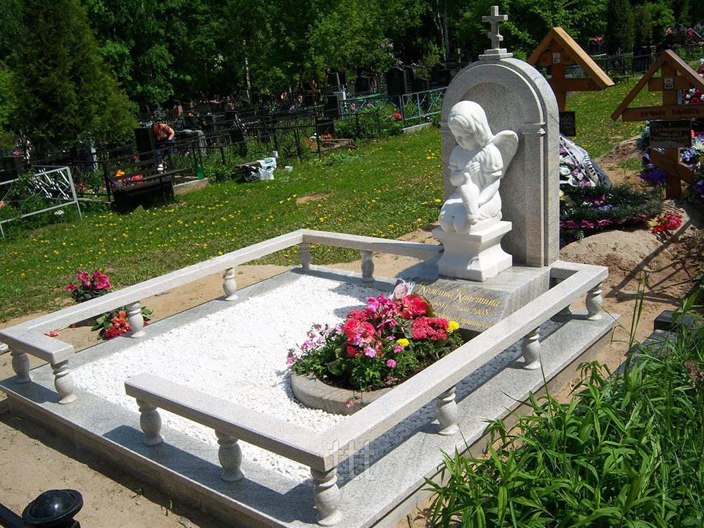 Детский памятник  ангел с голубем № 52