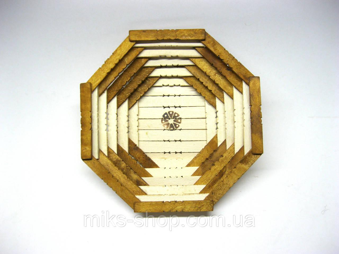 Деревянная тарелка