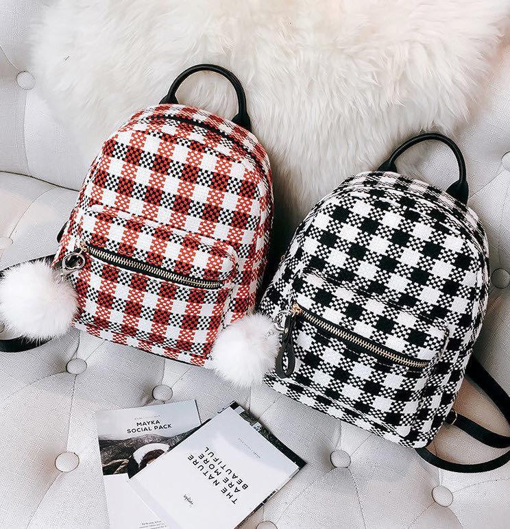 d0128b5964eff Нежный женский городской рюкзак в клетку с помпоном Отличный подарок второй  половинке Недорого Код: КГ3941