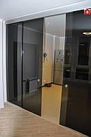 Каскадные раздвижные двери из каленого стекла