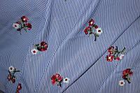 Ткань рубашка полоса с вышивкой, цветок Тренд сезона №3 80%хб,20%ПЭ