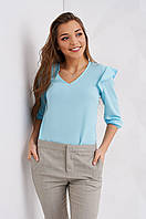 Красивая женская блуза однотонная с рюшами