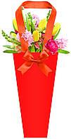 Бумажная сумка для букетов и горшечных цветов красная