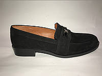 Туфли из натуральной замши на низком каблуке