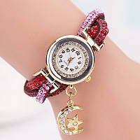 Женские часы браслет со стразами и красным браслетом