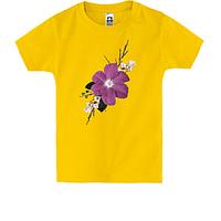 Детская футболка с фиолетовым цветком
