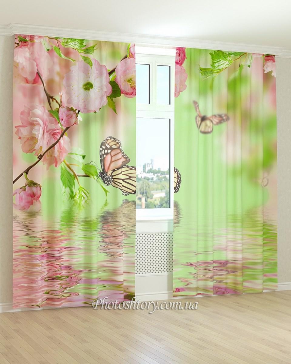 Фотошторы бабочки и цветы над водой