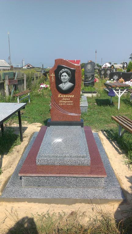 Памятник лезники