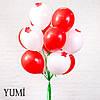 Букет из 15 шаров с гелием на атласных лентах и 6 красных цветов