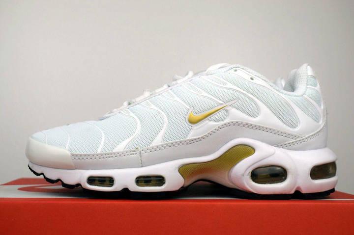 Женские кроссовки Nike TN Plus, белый + золотой