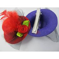 Уточка шляпка с атласной розочкой, фатином и пером