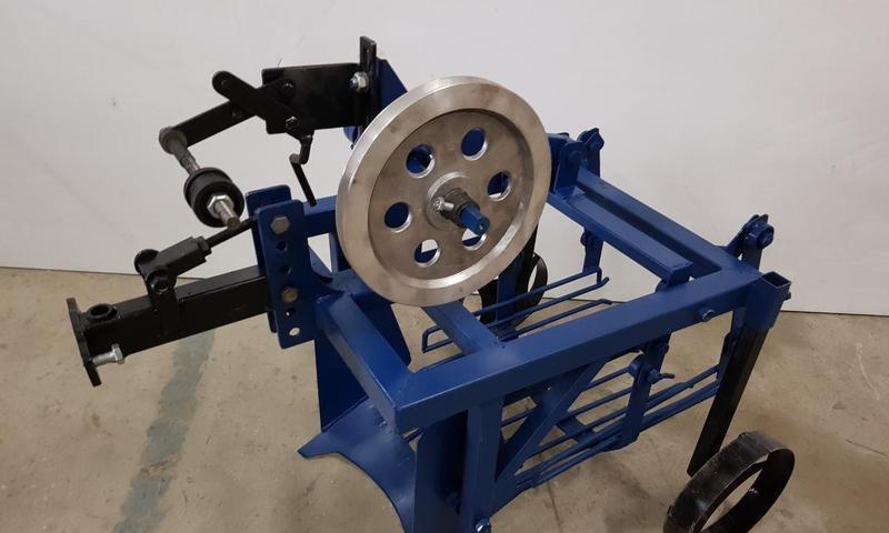 Картофелекопатель механизированный КМ-2 (привод-ремень: справа или слева) (захват 400мм, размер 950х