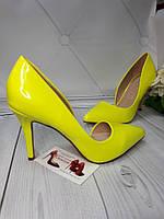 Женские туфли вырез классические