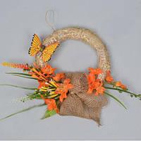 Венок на дверь с цветами и бабочкой Пасхальный декор