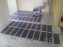 Монтаж інфрачервоної плівки під ламінат або паркетну дошку у якості теплої підлоги.