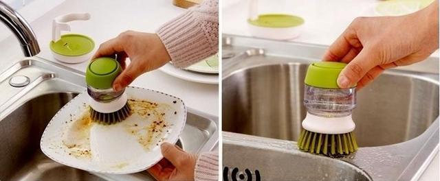 Щётка для мытья посуды с дозатором