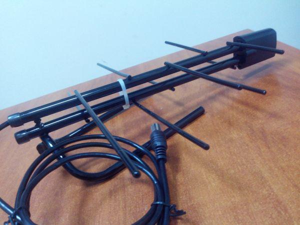 Антенна комнатная с усилителем EUROSKY 005    5 V