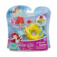 Маленькая кукла принцесса плавающая на круге Ариель (B8939)
