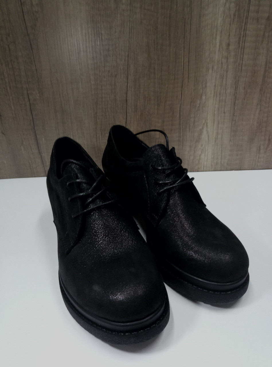 Женские туфли из натуральной кожи  VIKTTORIO