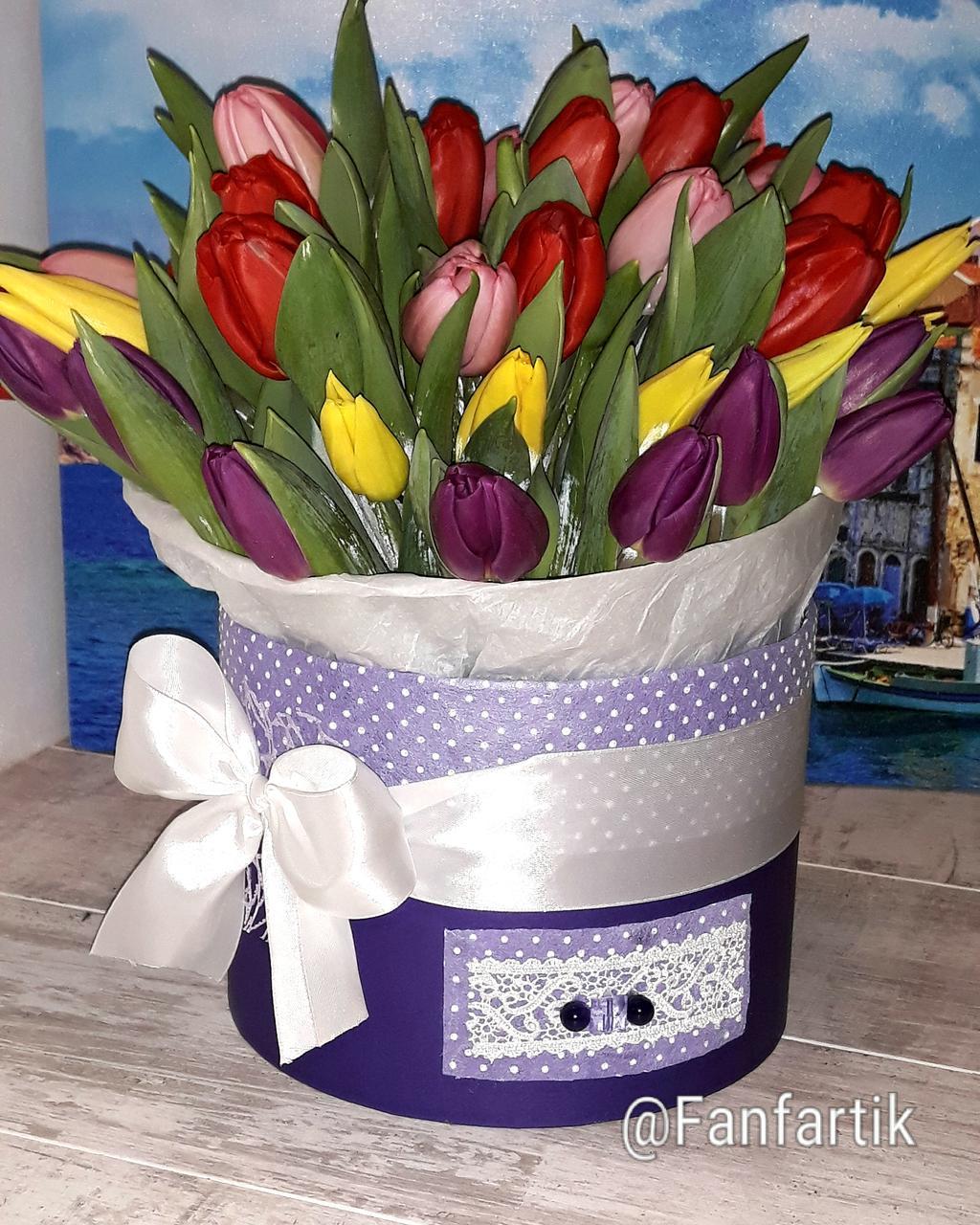 Тюльпан в коробочке с бантом